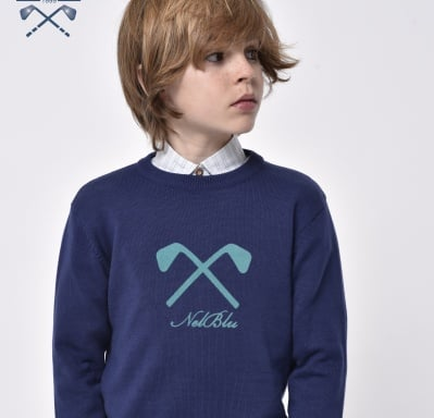 Пуловер в тъмно синьо