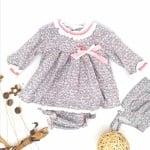 Комплект рокличка за бебе с гащички и шапка на цвята